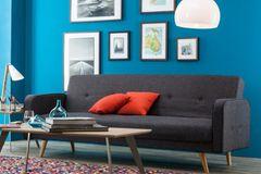 Wandfarbe in modernem Blau