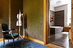 Badezimmer in edlem Naturstein
