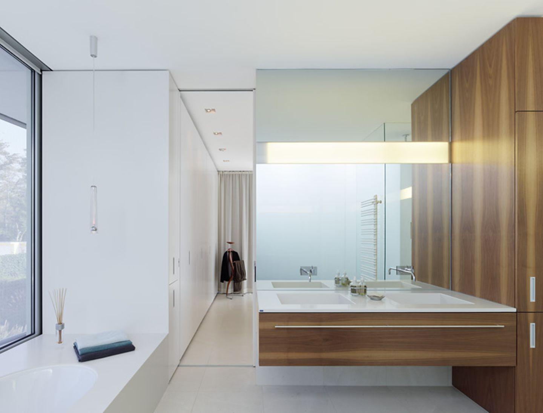 Badezimmer mit Einbauten
