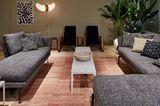 """Grobe Textur: Vitras """"Suita"""" Sofa mit Kvadrat-Bezug"""