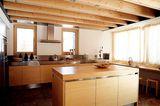 Küchenmöbel mit astreinem Tannenholz