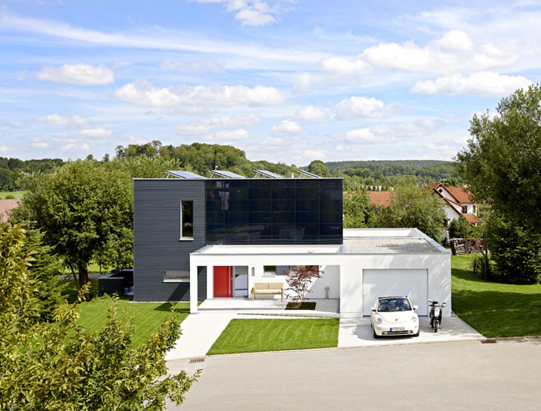 Regeneratives Energiekonzept und moderne Architektur