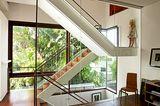 Treppenhaus mit viel Licht