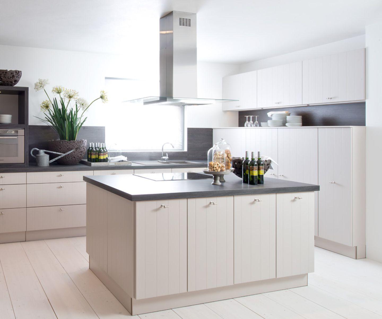 """Mit Holz-Optik: Küche """"Star Plus 278"""" von Nolte Küchen"""