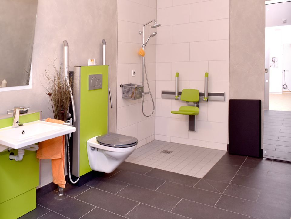 Badeinrichtung im Smart Home für Senioren