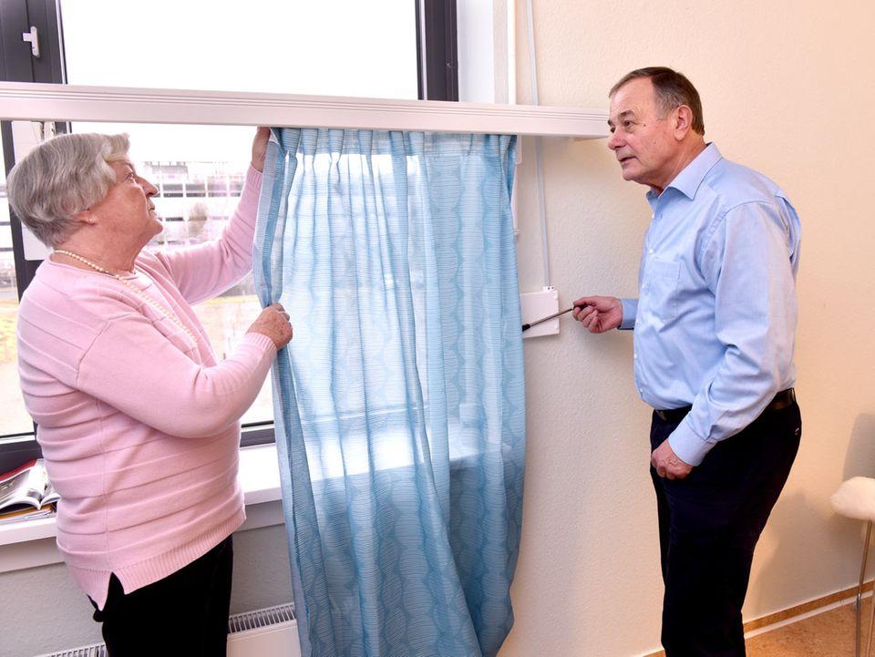 Smart Home für Senioren: Gardinenlift