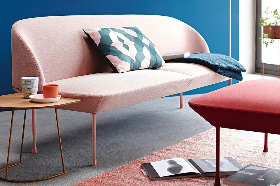 Minimalismus: Wenige Möbel inszenieren den Raum