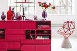 """Sideboard in Pink und """"Chair One"""" von Konstantin Grcic in Rot"""