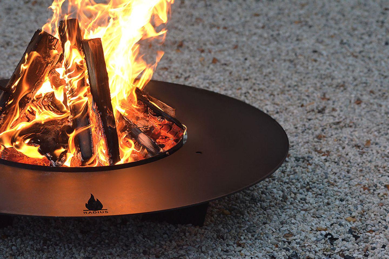 """""""Fireplate 75"""" von Radius Design"""