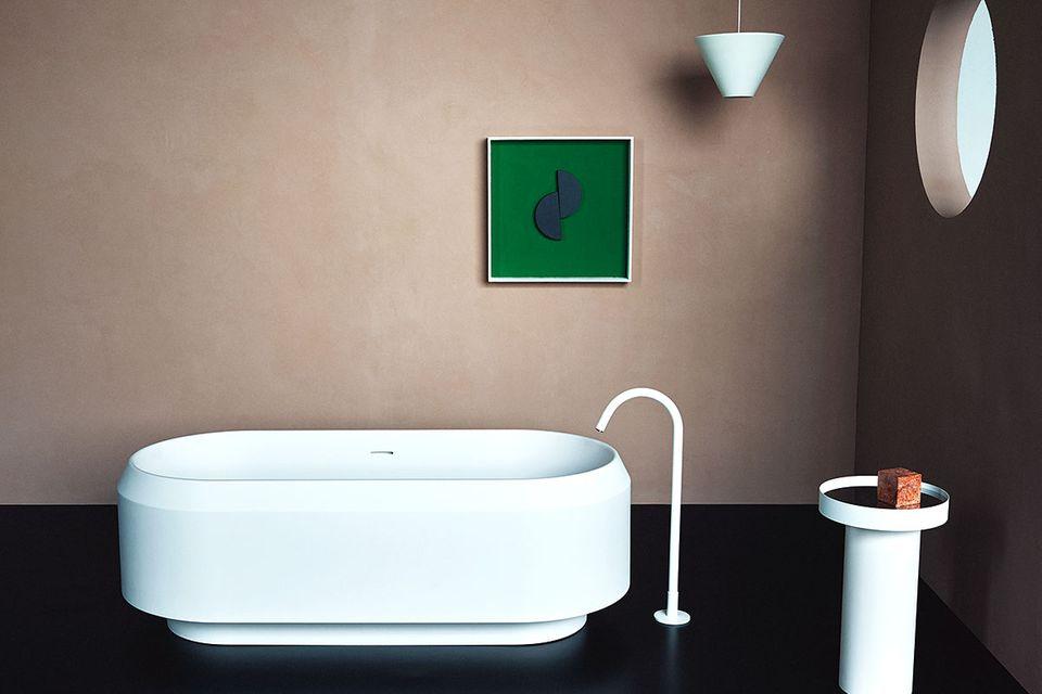 """""""Lariana"""": Freistehende Badewanne von Patricia Urquiola für Agape"""