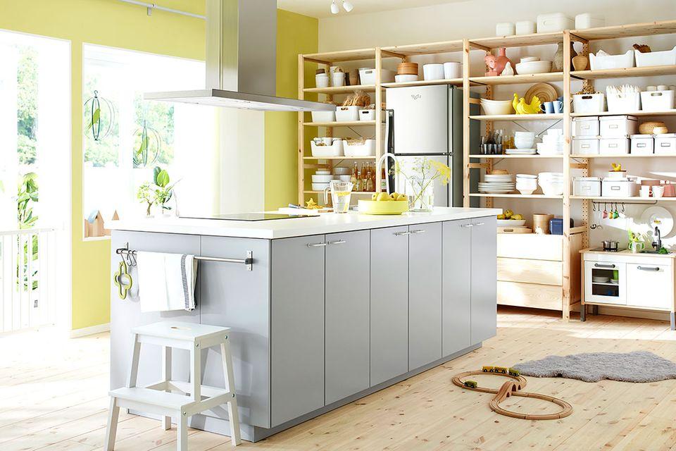 """Kochinsel """"Metod"""" mit Tisch von Ikea"""