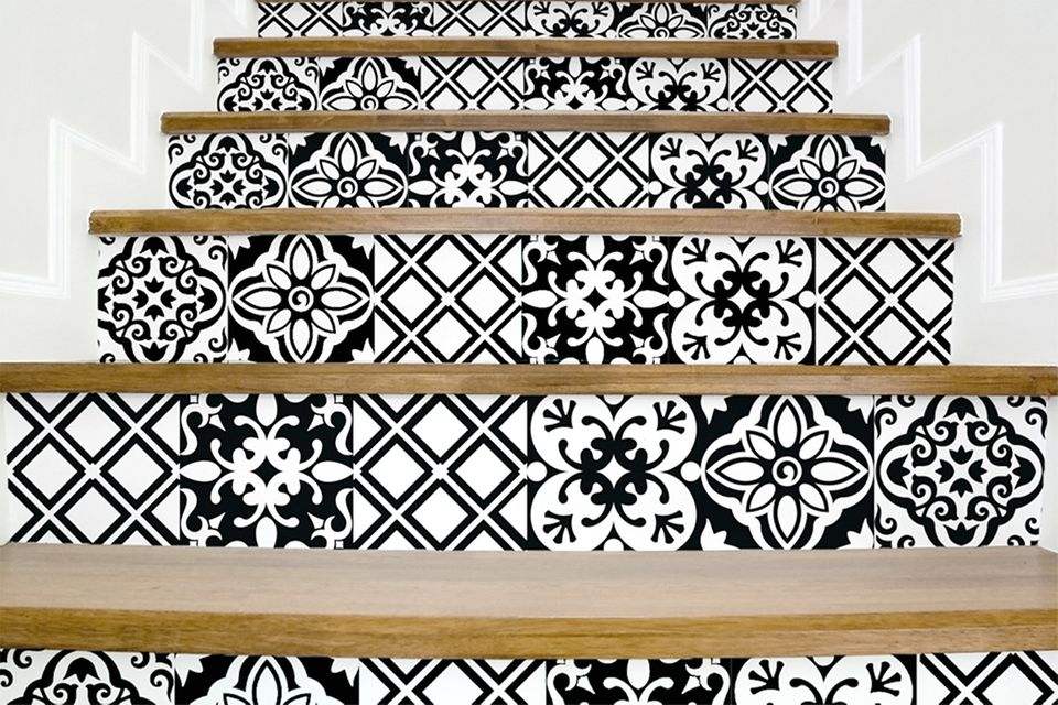 Treppe mit Aufklebern von www.stickdecor.com