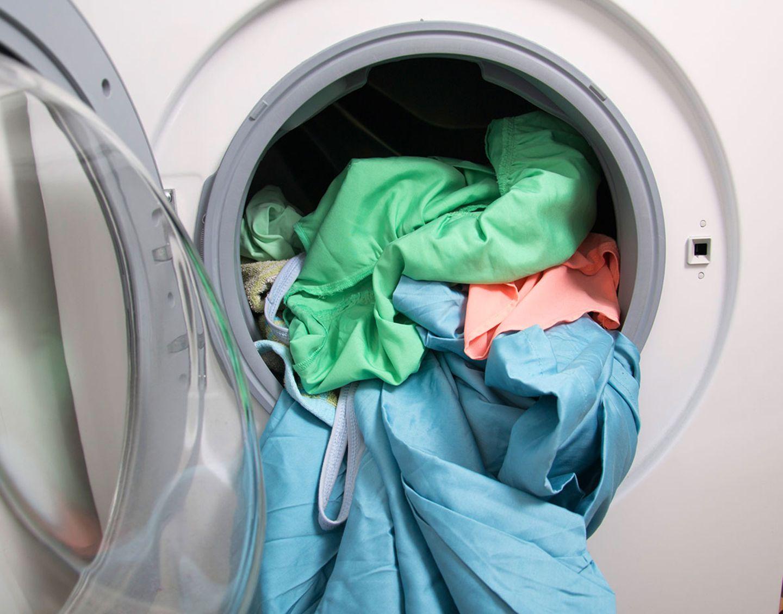Heimtextilien richtig waschen in der Waschmaschine
