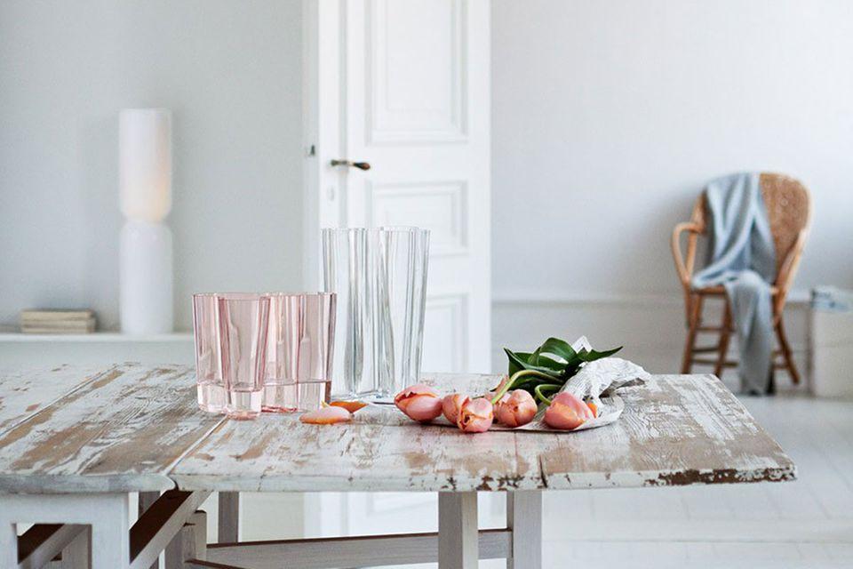 Vase von Alvar Aalto bei Iittala