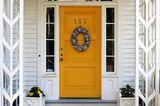Haustür gelb Holzhaus