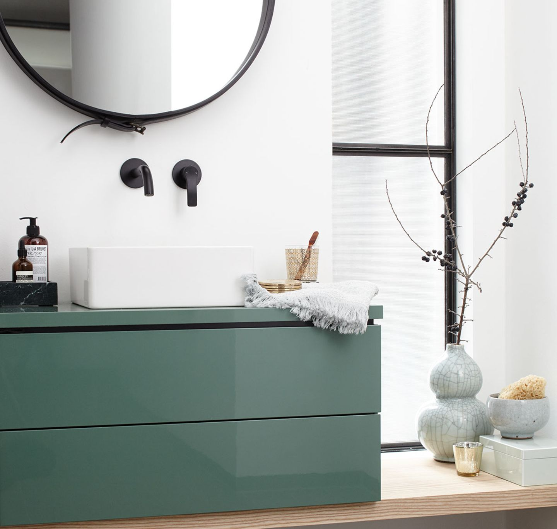 Badezimmer mit Grün-Akzenten