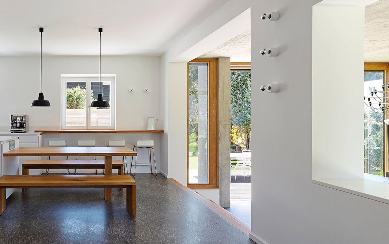Walmdach-Haus mit Anbau - Küche