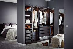 Begehbarer Kleiderschrank von Ikea