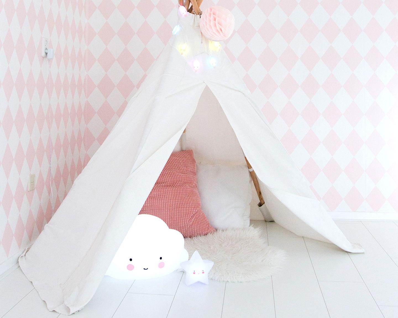 """Kinderzimmer: Nachtlicht """"Star light white"""" und """"Cloud"""" von A Little Lovely Company"""