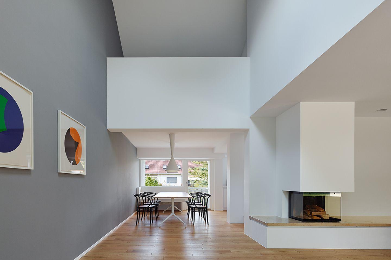 Modernisiertes 60-Jahre-Doppelhaus: Beletage