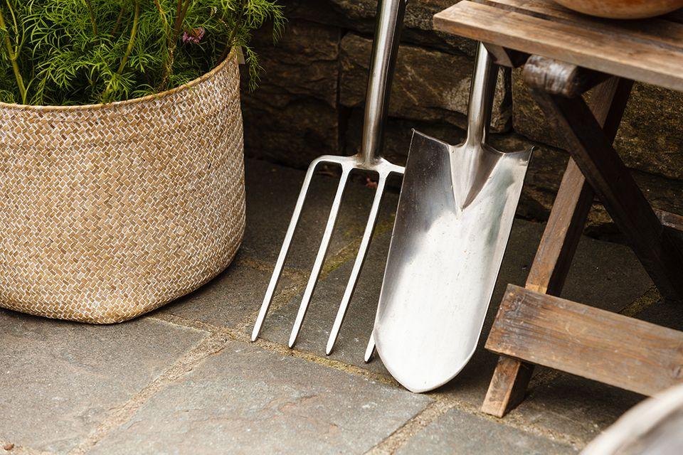 Gartengeräte und was sie können - Spaten und Grabgabel