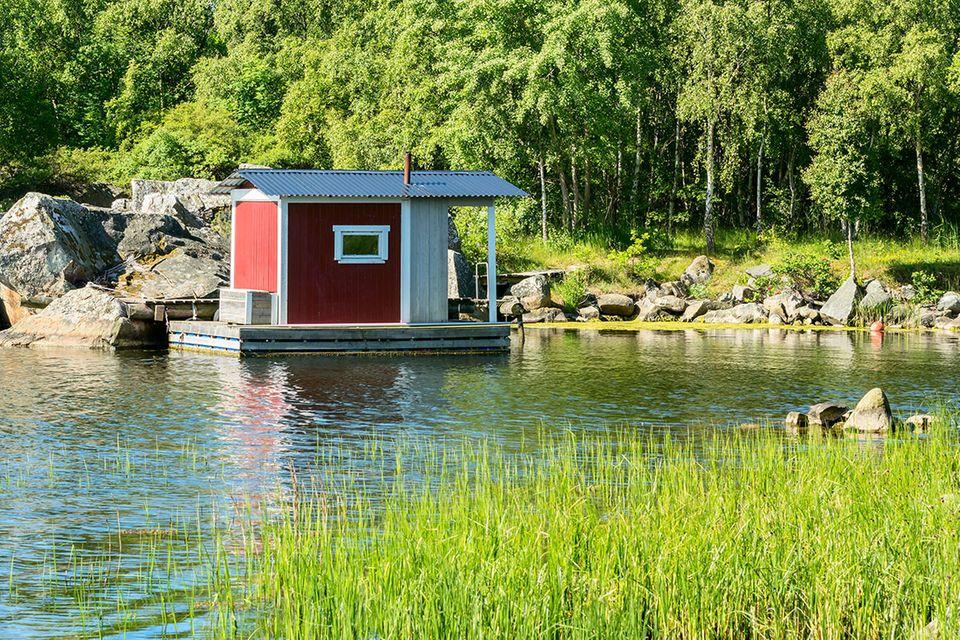 Aussteiger-Traum: Mitten in schönster Natur schlägt das Herz der Minihaus-Fans im Nu höher.