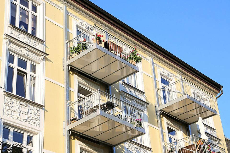 Nachgerüsteter Balkon an einem Altbau