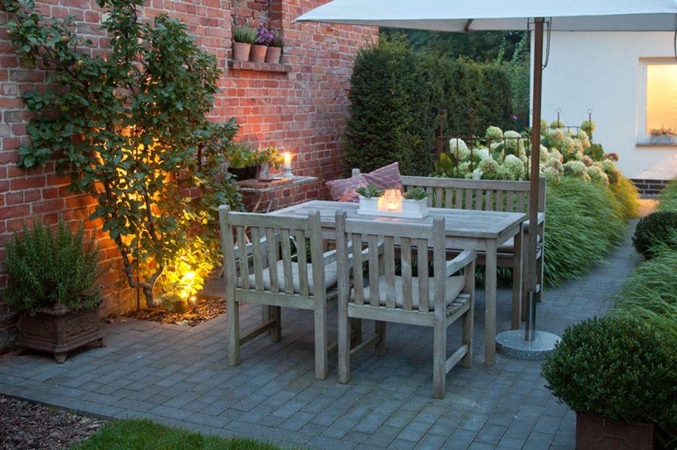 Den Garten für den Spätsommer inszenieren