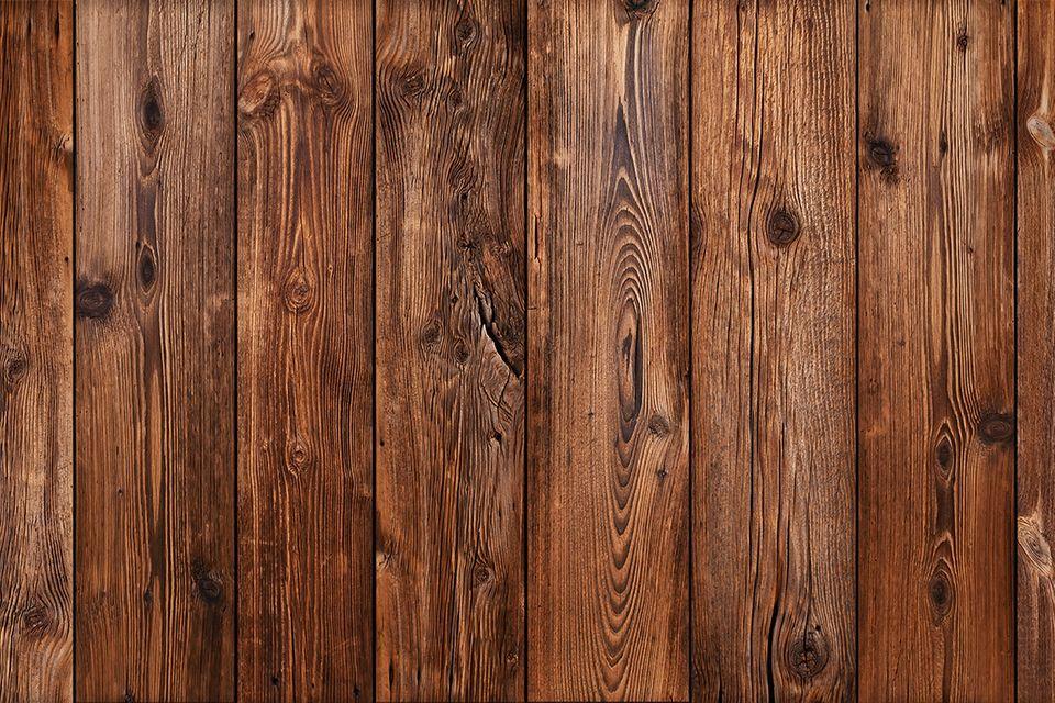 Holz beizen oder lackieren