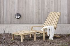 """""""Between Lines Deck Chair"""" von Skagerak"""