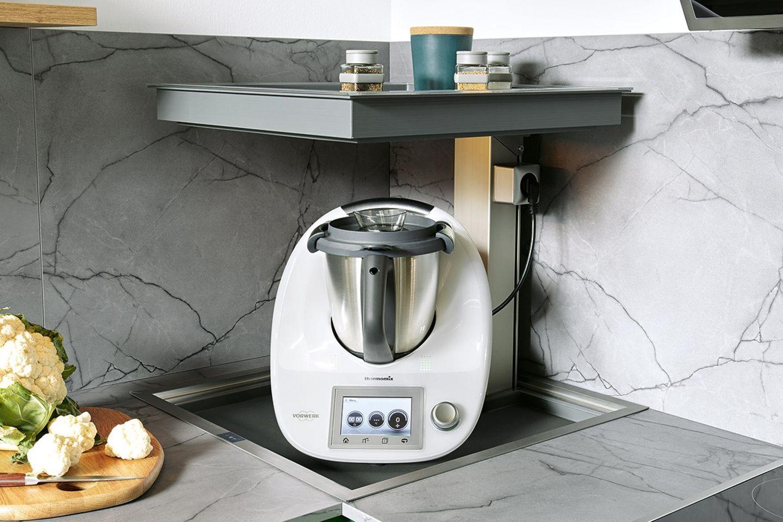 Platz in der Küche: Ecklift von Schüller
