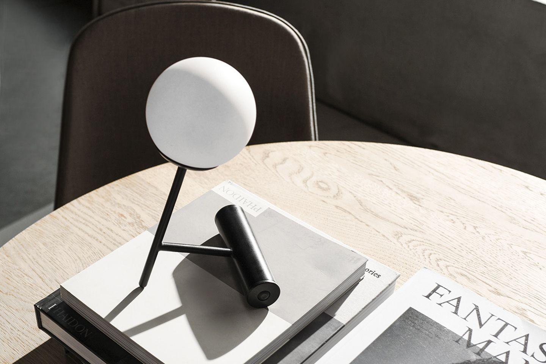 """Tischleuchte """"Phare Lamp"""" von Menu"""