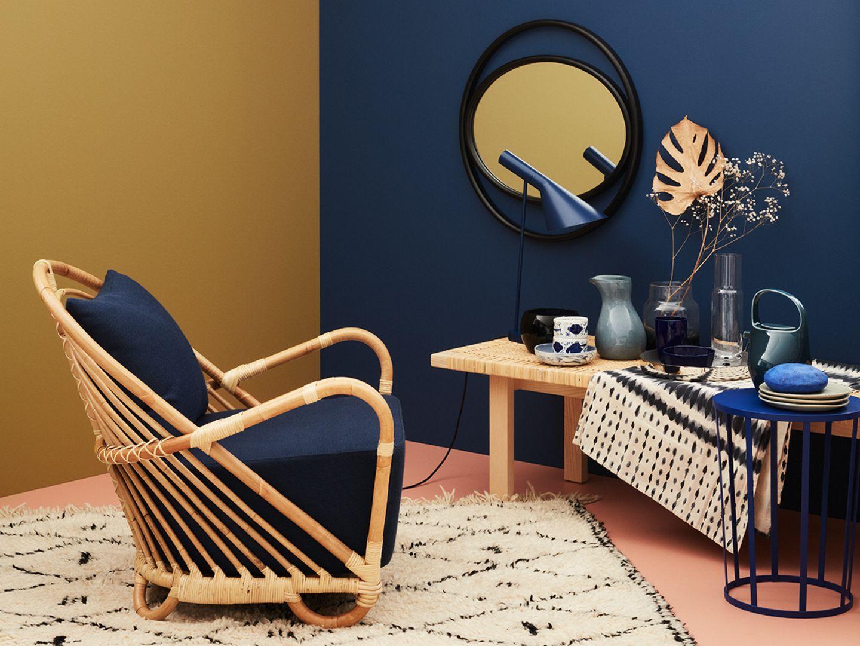Möbel und Accessoires im neuen Ethnostil - kombiniert mit Gold und Blau