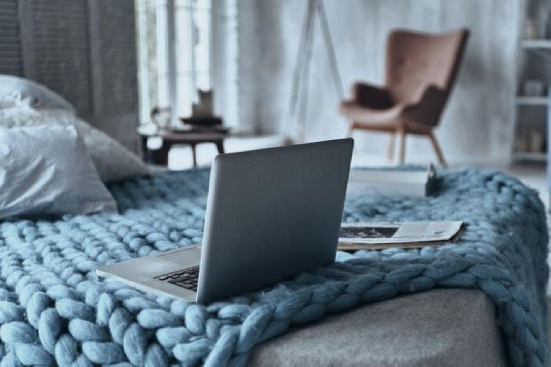 Typische Einrichtungsfehler im Schlafzimmer: Technik im Schlafzimmer