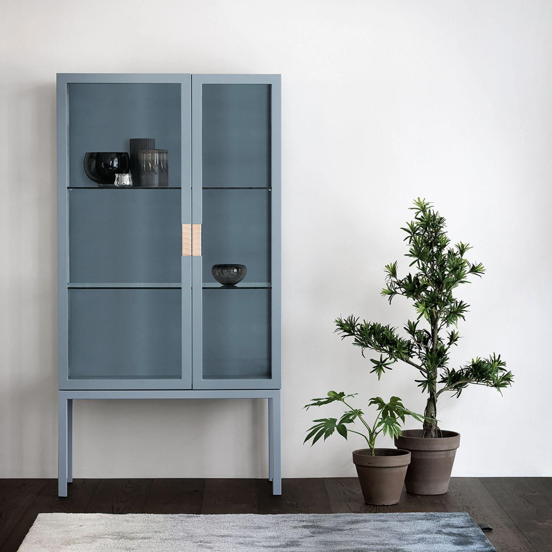 """Vitrine """"Frame Cabinet"""" von Asplund"""