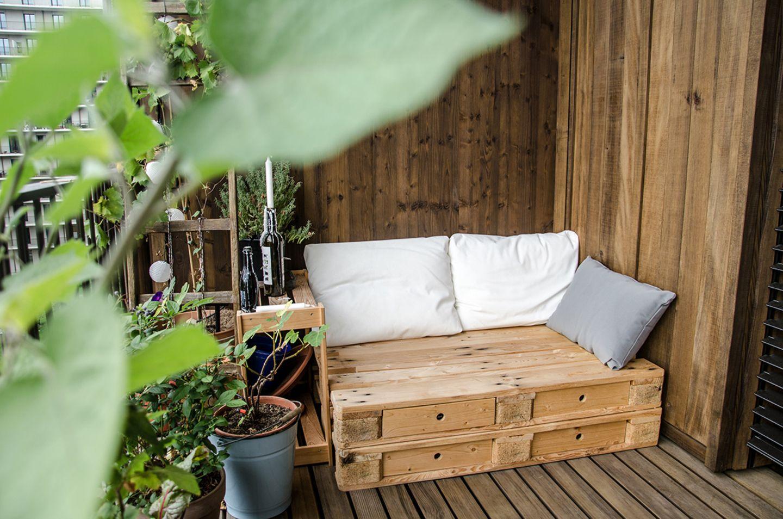 Selbstgebautes Sitzpodest für den Balkon