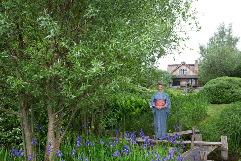 Blumenbrücke im japanischen Schaugarten