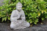 Stein-Buddha im japanischen Schaugarten