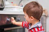 Kochen und backen mit Kindern - Sicherheitsschalter am Herd