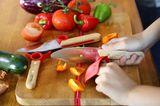 Kochen und backen mit Kindern - Kindermesser mit Schutzkunststoff von Opinel