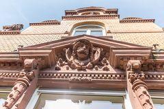 Sandsteinfassaden der Villa Viktoria