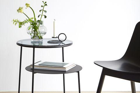 """Beistelltisch """"Duo"""" von Designerin Chifen Cheng für Woud"""