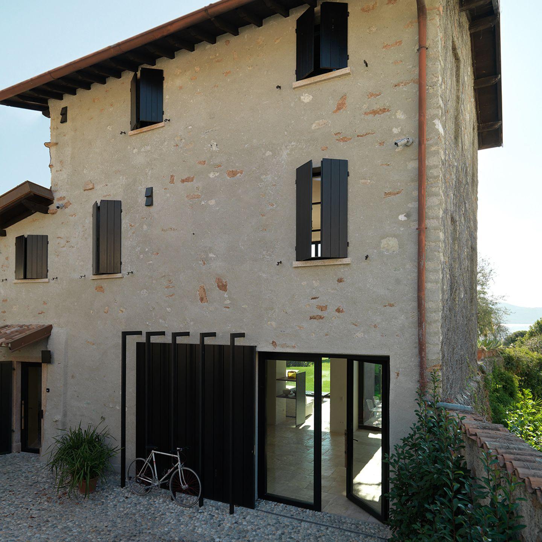 HÄUSER 04-2018: Ferienhaus mit Anbau am Gardasee