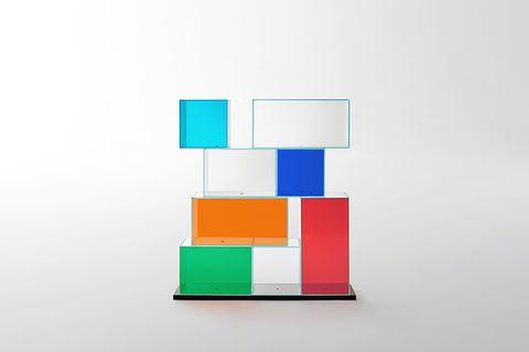 """Regal """"Quantum"""" von Glas Italia"""