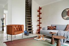 """Raum für Unikate – wie das handgeknüpfte Sofa """"Haussmann 310"""" von Walter Knoll"""