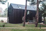 Schwarzes Ferienhaus in Dierhagen an der Ostsee