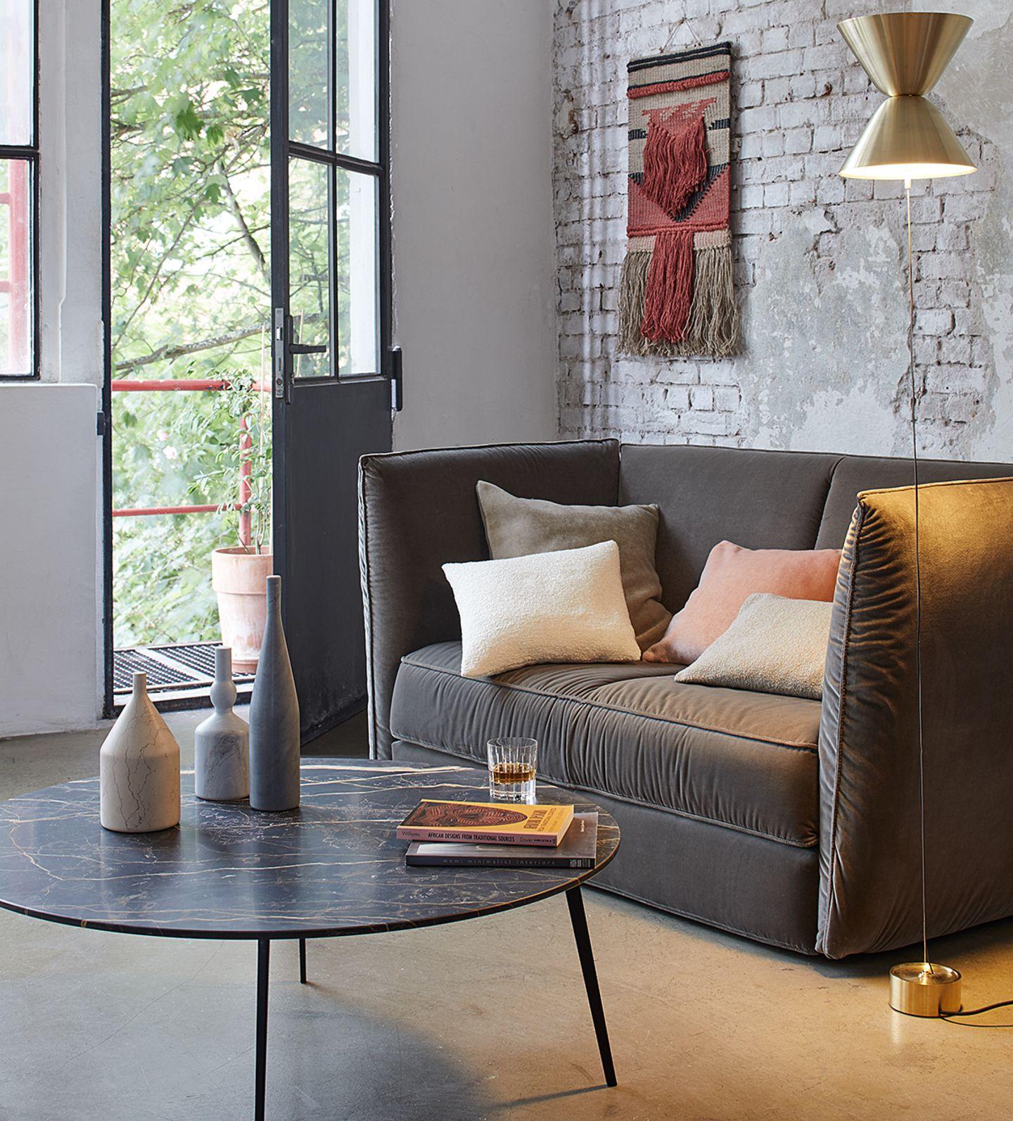 Sofa mit Samtbezug von Ligne Roset