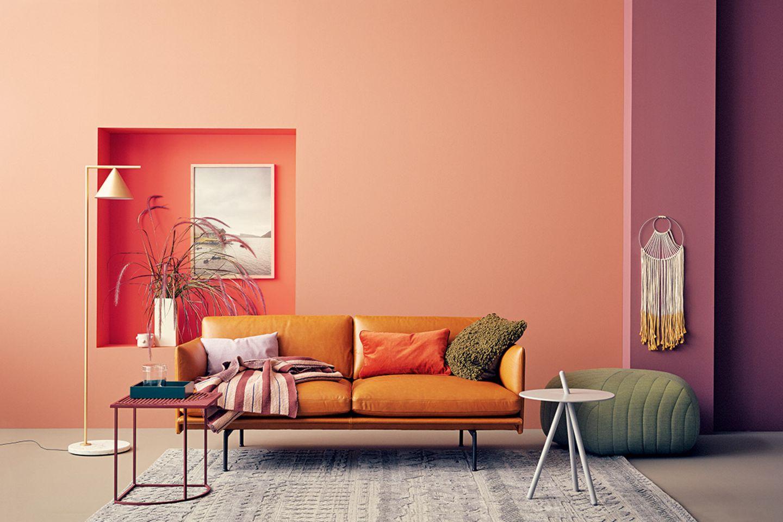 Herbstfarben feiern eine wilde Party im Wohnzimmer