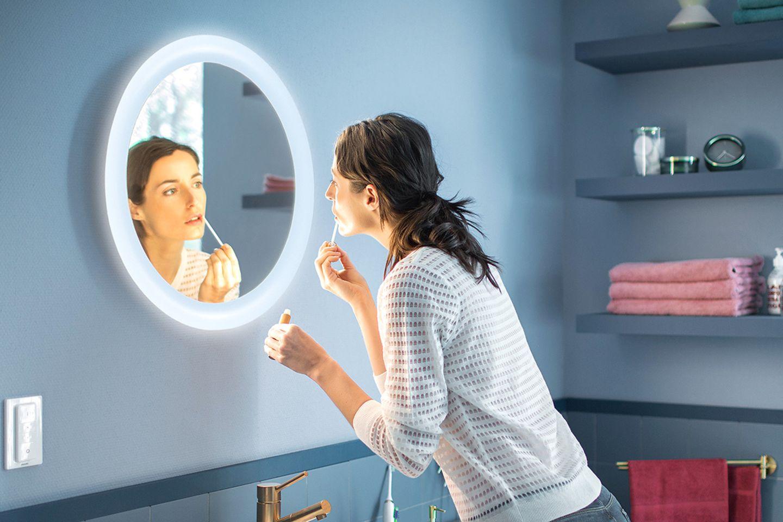 """Smarter Spiegel """"Adore"""" von Hue"""