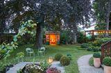 Garten mit Teehaus
